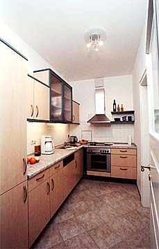 ausstattung zimmer ferienwohnung hostel louise20. Black Bedroom Furniture Sets. Home Design Ideas